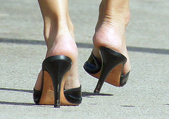 walking in heels a close up
