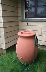 L.A. Garden Tour - Rain barrel (6657)