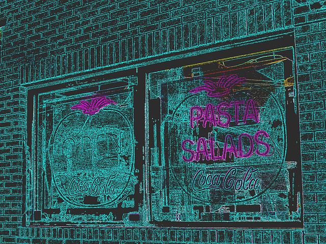 Pizza & Coca-cola  /  Portland, Maine  USA - 11 octobre 2009 - Contours de couleurs en négatif