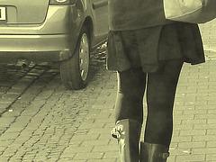 Expresso house Swedish duo - Flat boots and high heels /  Piétonnes suédoises - talons hauts et bottes à talons plats -   Ängelholm - 23-10-2008 - Vintage