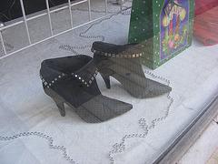 Bottines Limouxiennes à talons aiguilles /  Short high-heeled boots - Photographe Krisontème