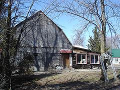 Grange commerciale / Commercial barn - In my area / Dans ma région -  Québec, Canada.  16 mars 2010.