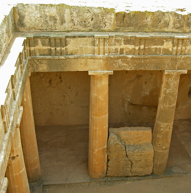 Eingang zur Grabstätte