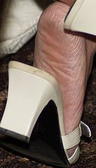 close up of MILF in Claiborne slides