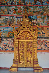 Entrance door into Wat Phone Xai