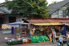 Market in front of Wat Phone Xai