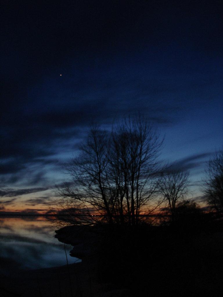 Coucher soleil au belvédère /  Viewpoint sunset  - Dans ma ville / Hometown -  2 mars 2010  - Photo originale
