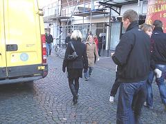 Dimani Swedish blonde Lady in Dominatrix Boots / Blonde suédoise en bottes à talons aiguilles