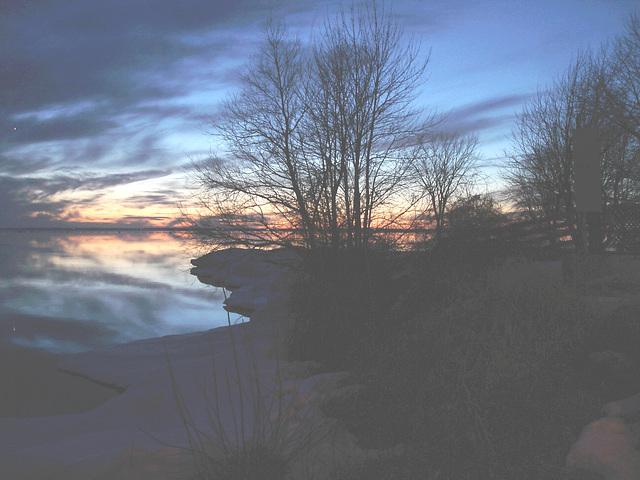 Coucher soleil au belvédère /  Viewpoint sunset  - Dans ma ville / Hometown -  2 mars 2010  - Photo originale éclaircie