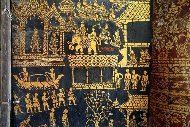 Wat Xieng Thong gold leaf art