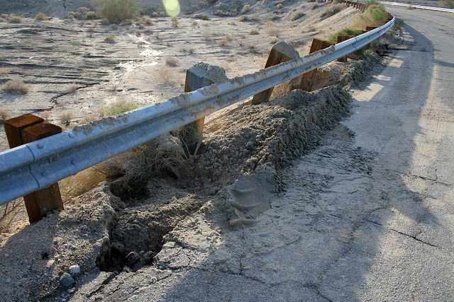 Erosion on Box Canyon Road (3829)