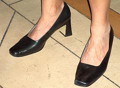 claiborne black heels