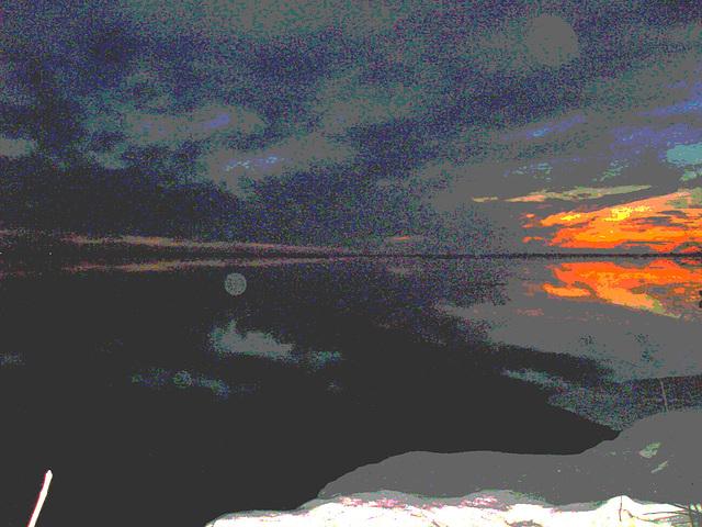 Coucher soleil au belvédère /  Viewpoint sunset  - Dans ma ville / Hometown -  2 mars 2010   -  Éclaircie et  postérisée