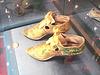 Ribbons era with artistic motif / Bata shoe Museum. Toronto, Canada - 3 juillet 2007