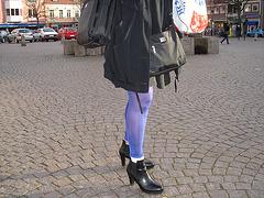 La Dame blonde Hoss Oss Fär en bottines sexy à talons hauts /  -  Hoss Oss Fär Swedish blond mature in short high-heeled Boots