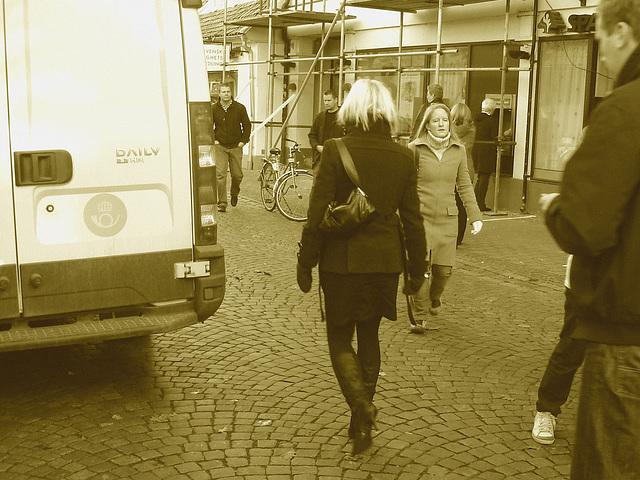 Dimani Swedish blond Lady in Dominatrix Boots /  Blonde suédoise en bottes à talons aiguilles -  Ängelholm / Suède - Sweden.   23-10-2008- Sepia