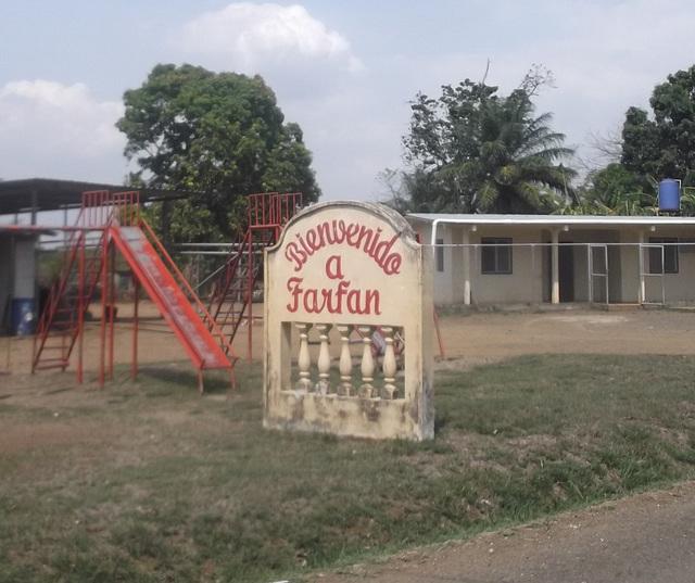 Bienvenido a Farfan - Recadrage