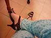 Mon amie Christiane avec permission /Essai en pyjama  / Nouvelles sandales à talons hauts.