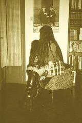 Lady Roxy avec / with permission - Beatles et bottes de cuir  - Sepia