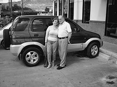 Mon amie Elisabeth du Honduras avec son époux  /  My friend Elisabeth from Honduras with her husband  -  Noir et blanc  / Blanco y negro