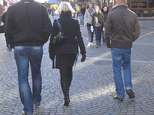Dimani Swedish blond Lady in Dominatrix Boots /  Blonde suédoise en bottes à talons aiguilles -  Ängelholm / Suède - Sweden.   23-10-2008