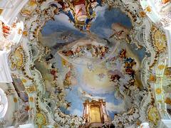 Wieskirche: Die grandiosen Deckengemälde im Zentrum der Kirche. . ©UdoSm