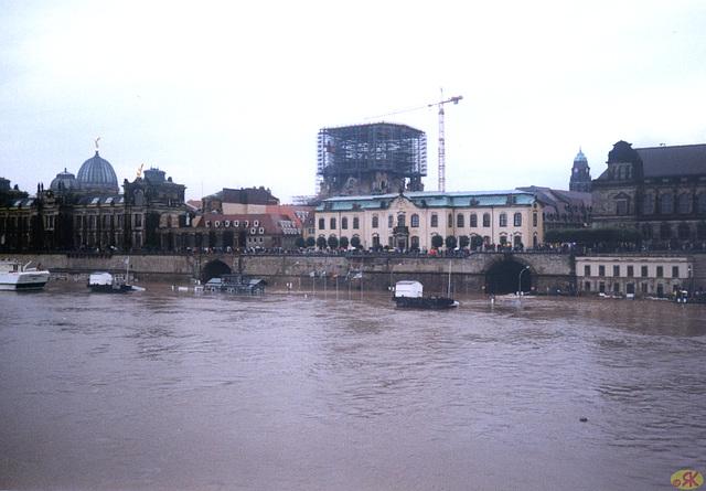 2002-08-13 10 inundo en Dresdeno