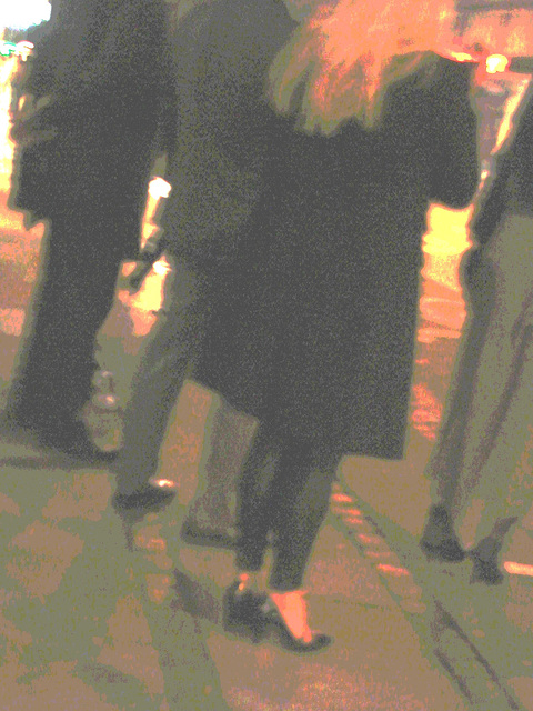 Blurry Danish blond Lady in black high heels shoes /  Copenhague -  25 octobre 2008 - Postérisation