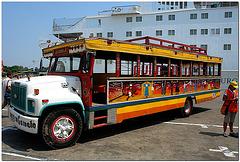 Ausflugs-Bus