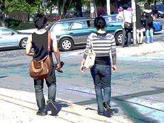 Jeune beauté asiatique en talons hauts / Short young Asian in jeans and high heels- Halifax, NS. Canada - Juin 2008- Postérisation