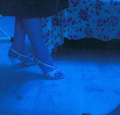 Nouvelles chaussures de mariage / New wedding shoes -   Christiane avec / with permission- Juillet 2009. Inversion RVB