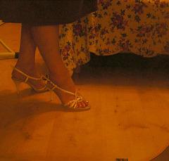 Nouvelles chaussures de mariage / New wedding shoes -   Christiane avec / with permission -  Juillet 2009 . Photo originale