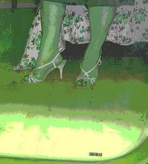 Nouvelles chaussures de mariage / New wedding shoes -   Christiane avec / with permission- Version postérisée