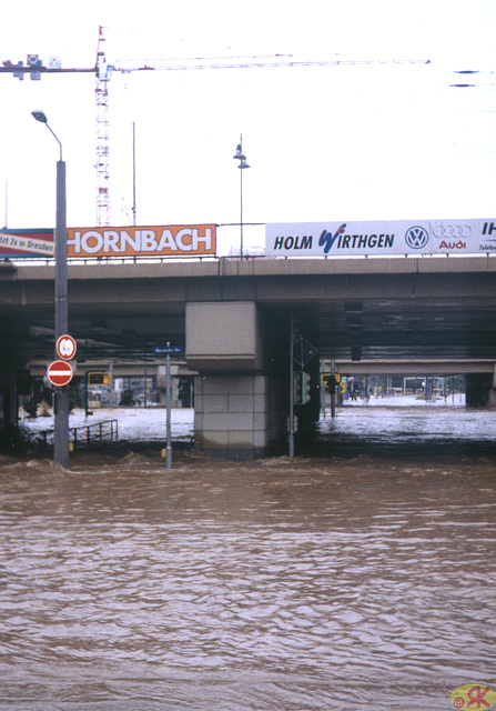 2002-08-13 03 inundo en Dresdeno