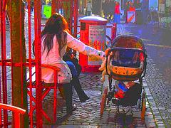 Maman suédoise en bottes sexy /  Mom in sexy boots and jeans on the bench  boots - Ängelholm / Suède - Sweden.  23 octobre 2008- Couleurs ravivées en postérisation