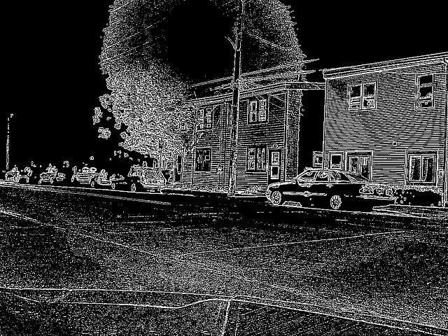 Halifax by the night  / Canada.  June / Juin 2008 - Contours noirs en négatif