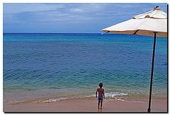 Strandschirm mit Kind