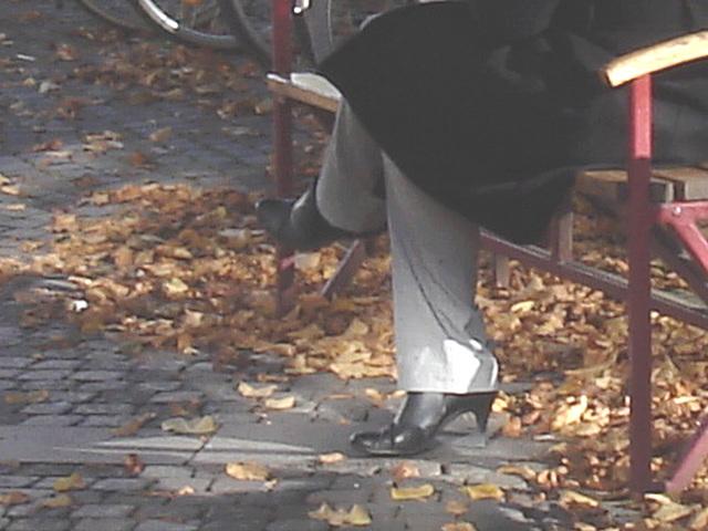 Jolie rouquine Sony en talons hauts / Sony infinity perfekt readhead Lady in high heels shoes  - Ängelholm / Suède - Sweden.  23-10-2008