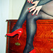 Mon amie / my friend Lady Roxy de l'Argentine / from Argentina with / avec permission - Red pumps / Escarpins rouges