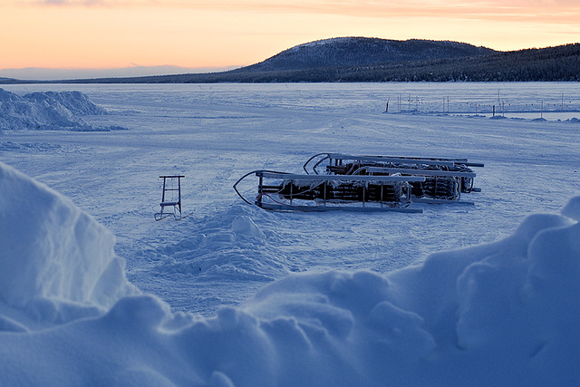Blick auf den zugefrorenen Torne Fluss - View onto the frozen river Torne