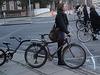 La Dame cycliste Faniback Loke en bottes à pédales / Faniback Loke booted biker Lady
