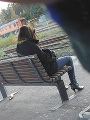 Young sexy Lady in pending straps high-heeled boots with tight jeans /  Jeune Suédoise en bottes de cuir à talons hauts aux courroies pendantes - Ängelholm / Suède - Sweden. 23 octobre 2008