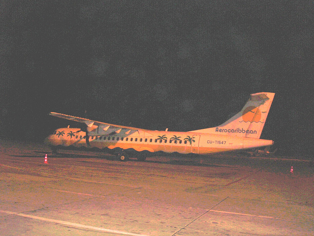 Avion Aero caribbean aircraft /  Aéroport de Varadero airport /  CUBA . 9-02-2010