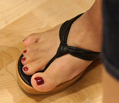 red toes