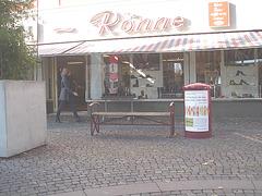 La Dame Ronne en bottes sexy / Ronne Swedish Lady in sexy boots - Ängelholm  / Suède - Sweden.  23-10-2008