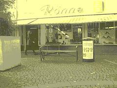 La Dame Ronne en bottes sexy / Ronne Swedish Lady in sexy boots - Ängelholm  / Suède - Sweden.  23-10-2008 - VIntage postérisé