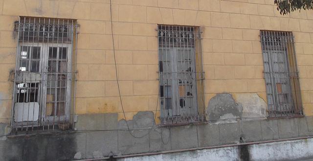 Trio de fenêtres ferrrovoaires / Train institute windows trio.