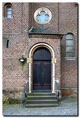 Zons,  Kirchentür