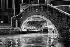 long light under the bridge - PiP