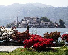 Ortasee mit der Insel San Giulio, Italien
